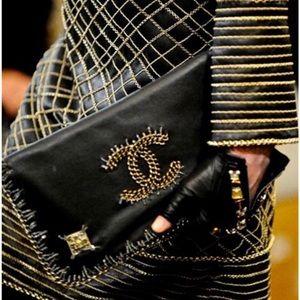 RUNWAY Chanel Multichain CC Black Leather Bag